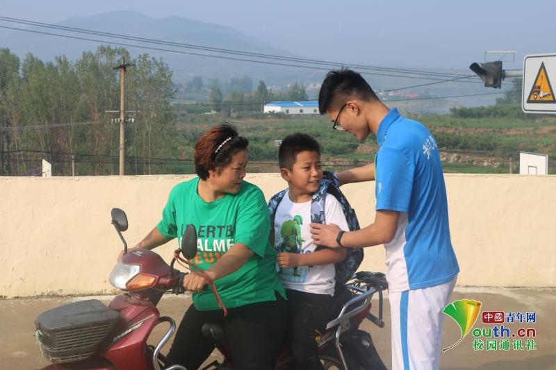 山东学子设趣味课堂,体育实验共欢乐